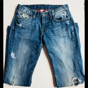 ☘️Lucky Brand Sweet N Low Distressed Denim